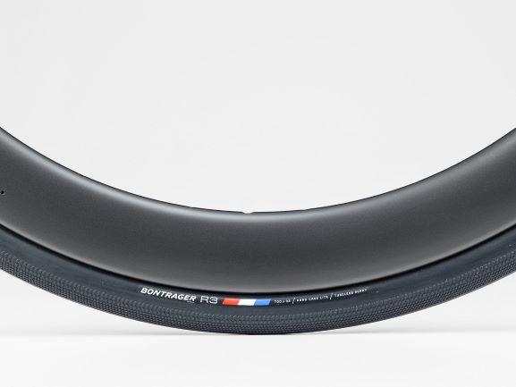 Bontrager R3 Hard-Case Lite TLR Road Tyre