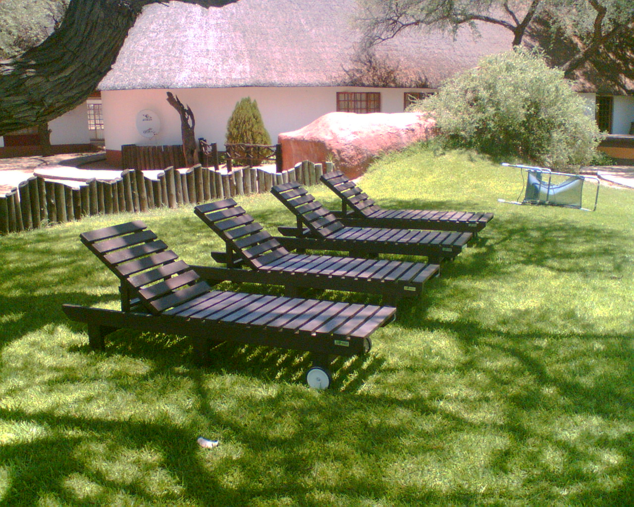 Composite wood sun lounger 2