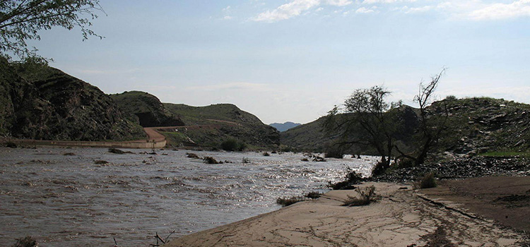 What To Do: When Faced With Thick Sand And Flowing Rivers